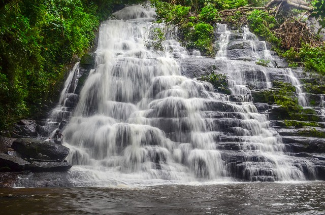 waterfall-in-Ivory-Coast-near-Mahapleu