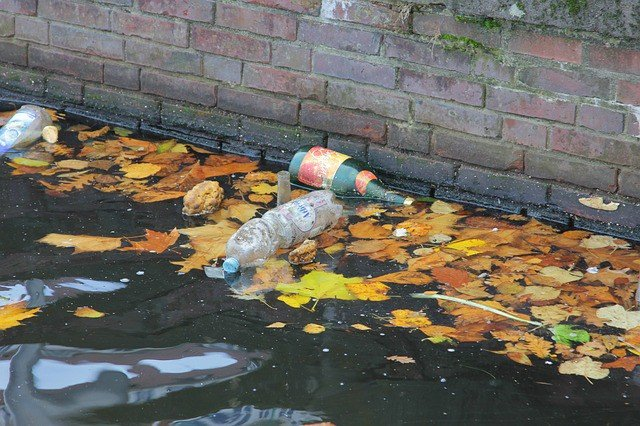 garbage-water-pollution-plastic-bottle