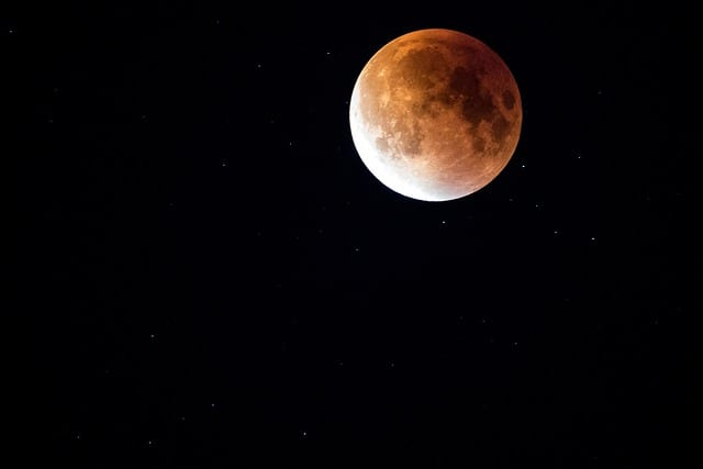 lunar-eclipse-bloodmoon-lunar-night