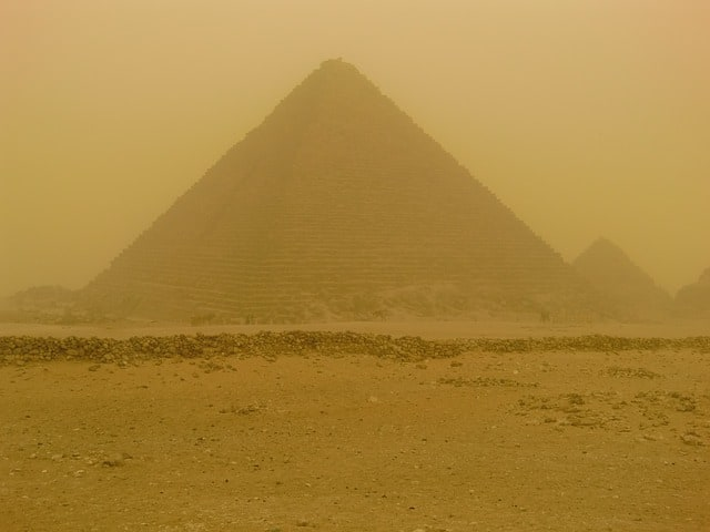 pyramids-egypt-sandstorm