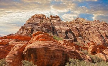 mountains-beautiful-red-rocks
