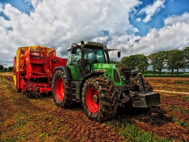 tractor-grain-mixer-rural-farm
